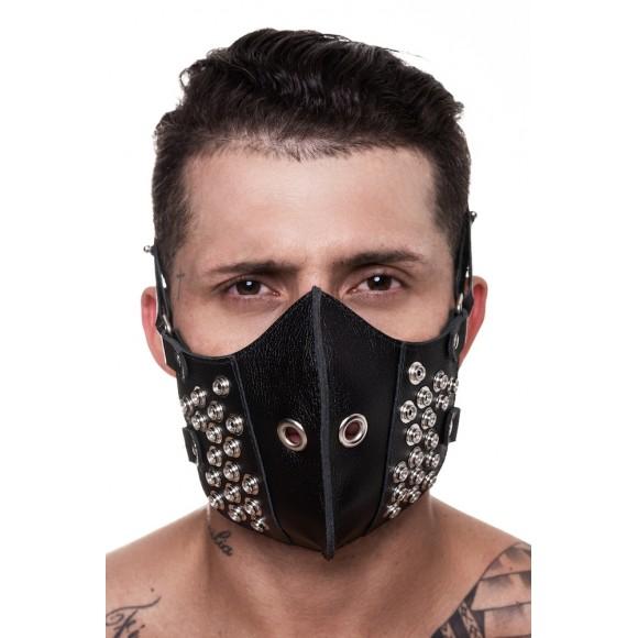 MÁSCARA 100% COURO COM DETALHES EM METAL SD CLOTHING